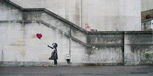 1920px-Banksy_Girl_and_Heart_Balloon_2840632113