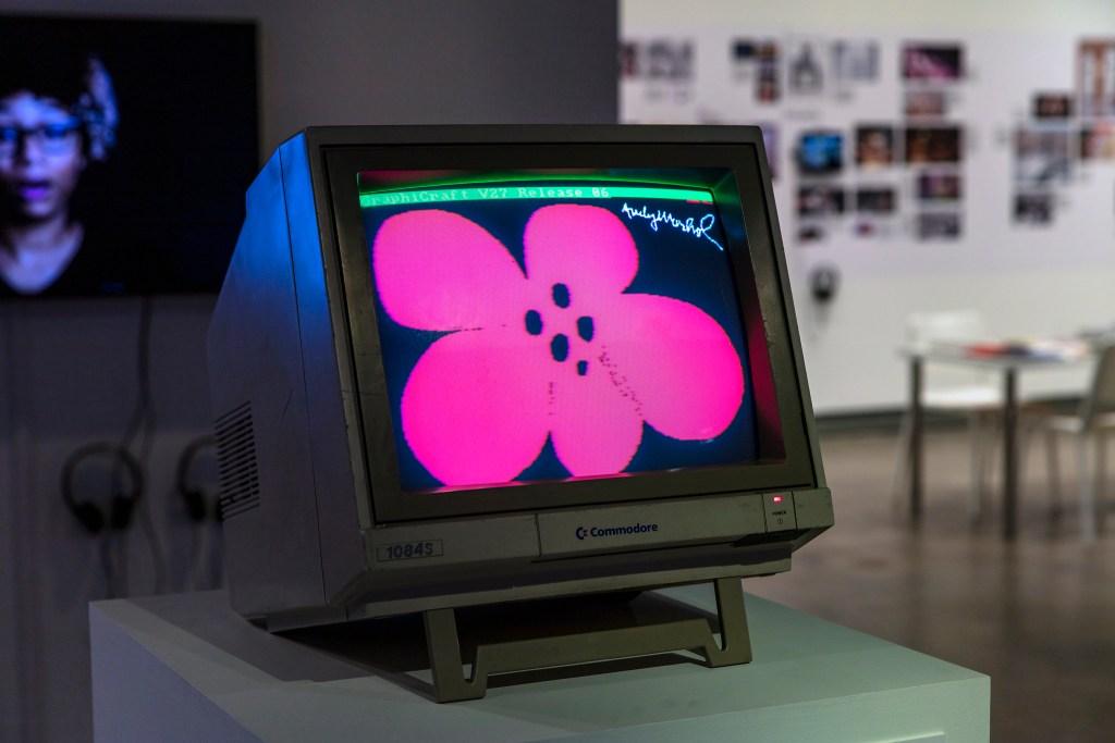 アンディ・ウォーホル美術館での展示の様子(Golan Levin氏 twitterより)