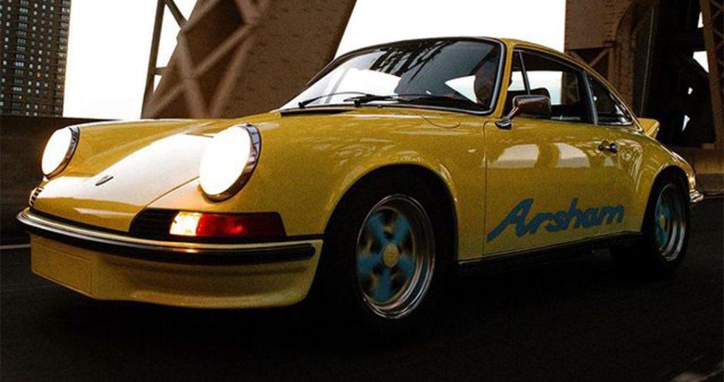 ダニエル・アーシャムのInstagramで発表されたポルシェRSA。黄色い車体に「Arsham」とペイントされている。 画像引用:https://www.instagram.com/